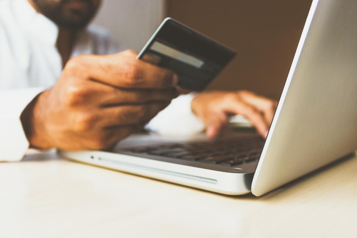 Usługi związane z e-biznesem