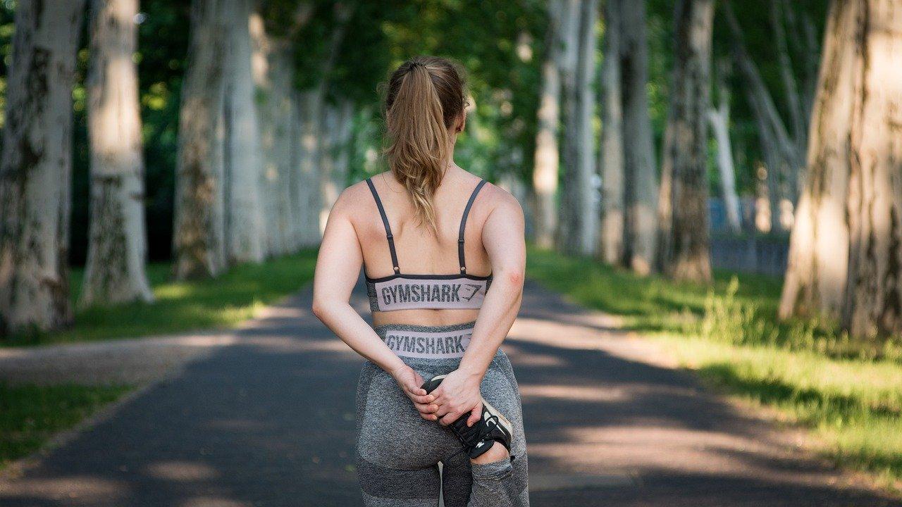 Czy odzież treningowa wpływa na wyniki w sporcie i ćwiczeniach