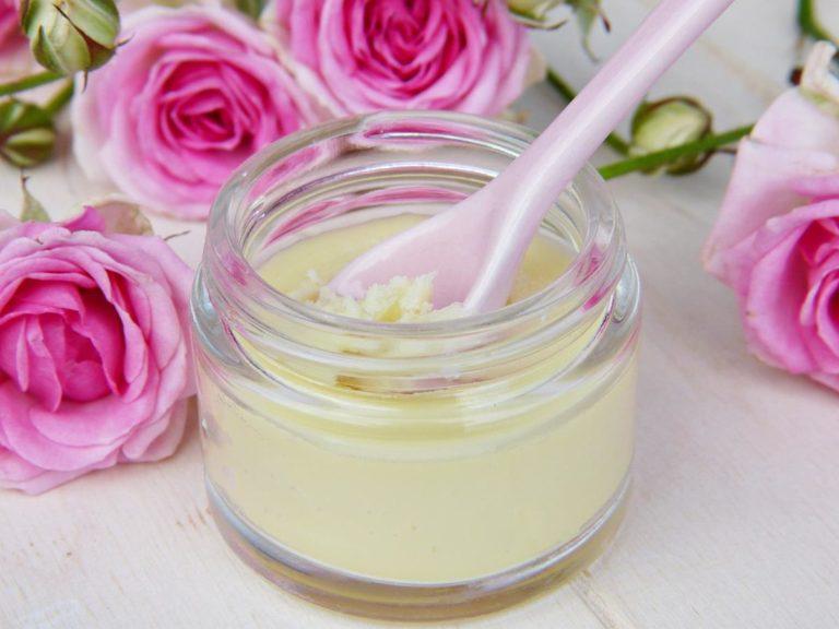 Naturalne kosmetyki wspomagające zdrowie skóry