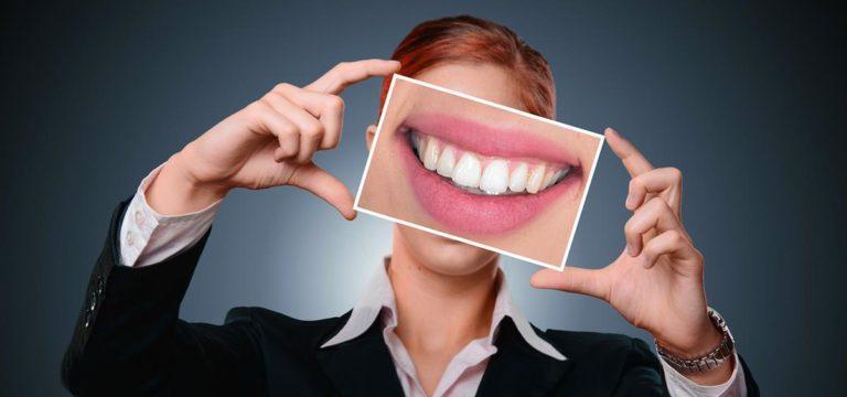 Najważniejsze informacje na temat stałych aparatów ortodontycznych